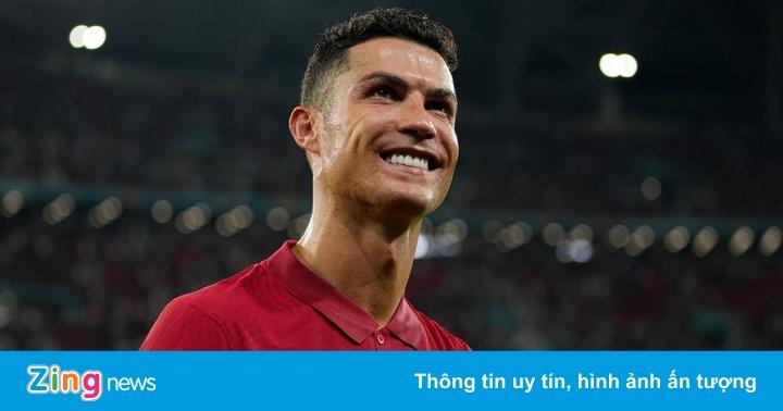 Số 9 ảo Ronaldo và sự lười biếng của Mbappe