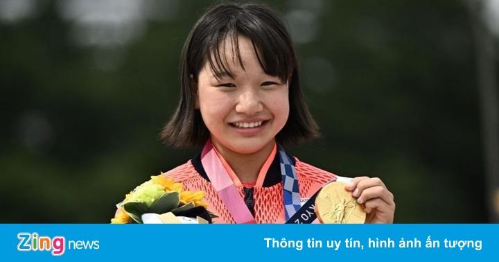 Nữ VĐV 13 tuổi đi vào lịch sử Nhật Bản với tấm HCV Olympic