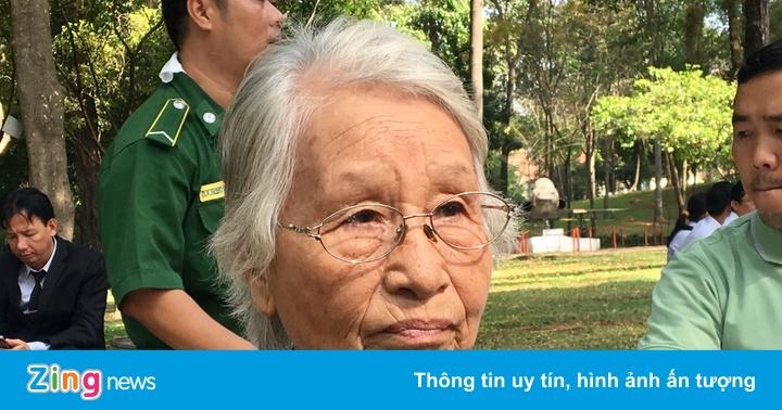 Cụ bà 81 tuổi vượt 300 km đi viếng nguyên Thủ tướng Phan Văn Khải