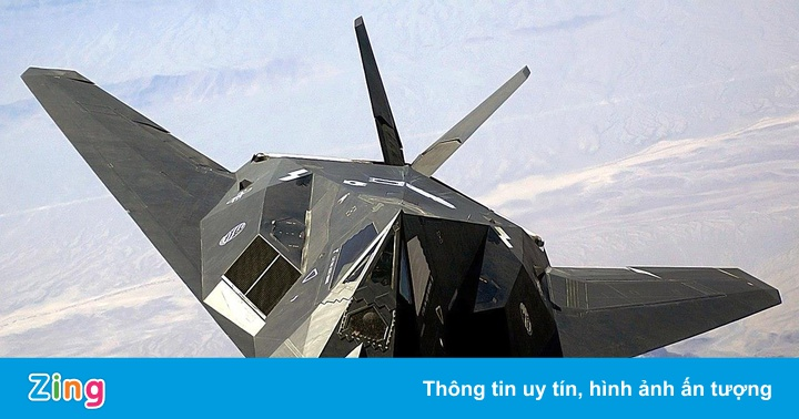 """Máy bay Mỹ F-117 bị bắn rơi: """"Xin lỗi chúng tôi không biết nó vô hình"""""""