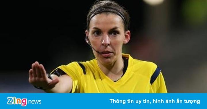 HLV Klopp ca ngợi trọng tài nữ bắt trận Liverpool gặp Chelsea