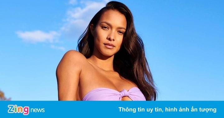 Hậu trường buổi chụp ảnh trong mùa dịch của người mẫu bikini