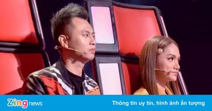 Hương Giang 'véo' Dương Cầm đến bầm tím vì quá khó tính trên ghế nóng