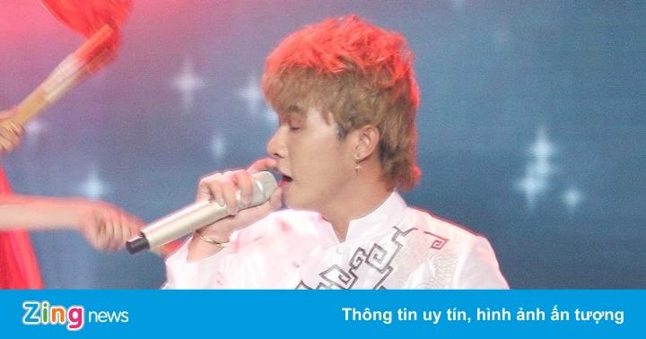 Jack hát 'Sóng gió' trong đêm bán kết Giọng hát Việt nhí