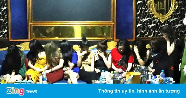 Quán karaoke chứa 76 khách khi dịch đang diễn ra