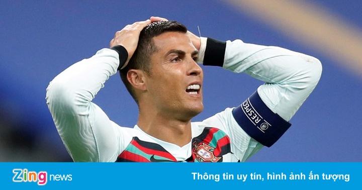 Ronaldo còn cơ hội đối đầu Messi