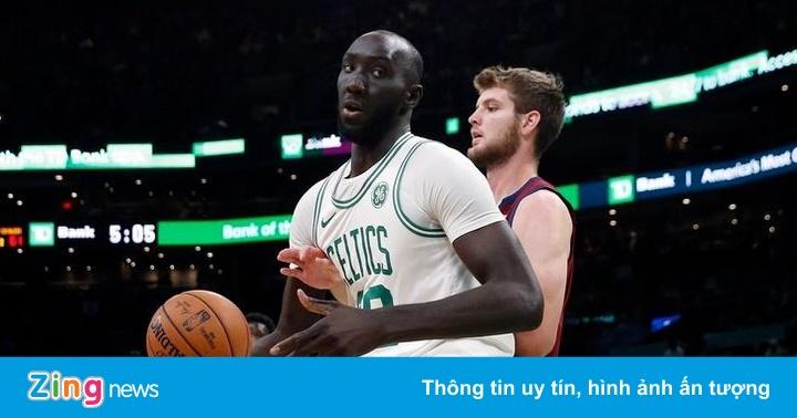10 cầu thủ nặng hơn 120 kg ở NBA