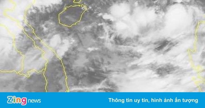 Áp thấp gây mưa lớn ở miền Trung, Biển Đông sắp có bão