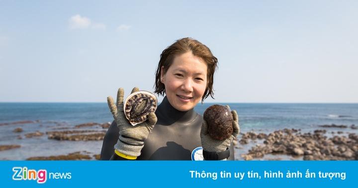 Đặc sản bào ngư do 'tiên cá' lặn bắt ở đảo Jeju
