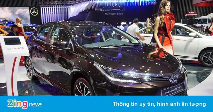 Toyota Corolla Altis đuối sức trong cuộc đua doanh số ở VN