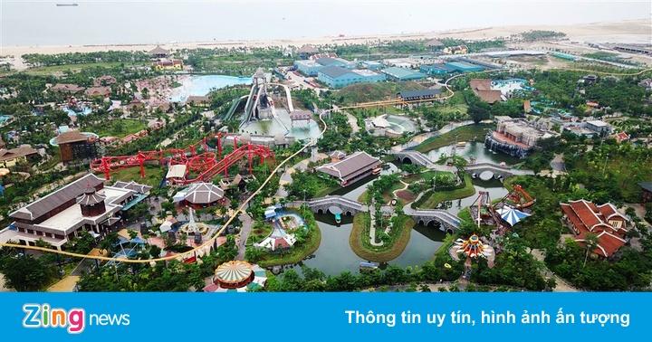 Đến Hạ Long khởi động mùa hè, chơi công viên nước với 200.000 đồng