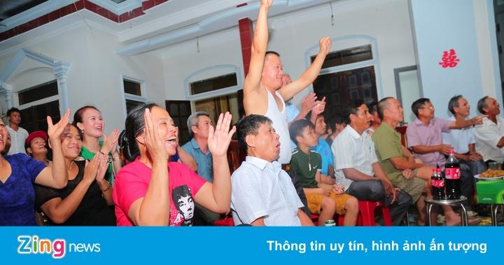 Fanzone lập vội tại quê nhà Văn Toàn, Tiến Dũng trước trận bán kết