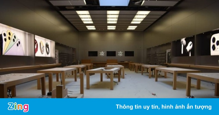 Biểu tình thành bạo loạn, dân Mỹ vào Apple Store đập phá, trộm đồ