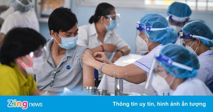 Bộ Y tế: Ưu tiên tiêm mũi 2 Pfizer cho người tiêm mũi 1 AstraZeneca