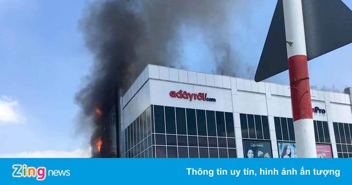Cháy tại một trung tâm mua sắm ở Sài Gòn