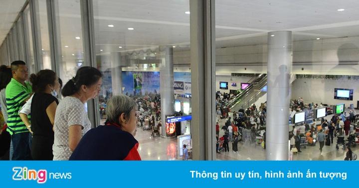 Du khách Trung Quốc chết sau khi rơi từ tầng 2 ở sân bay Tân Sơn Nhất