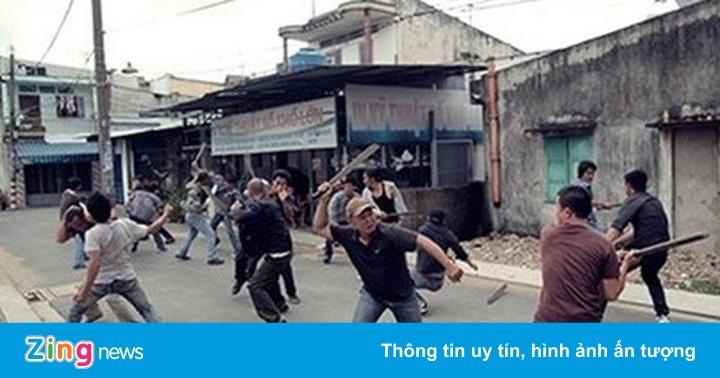 Cảnh sát nổ súng ngăn cuộc hỗn chiến ở TP.HCM